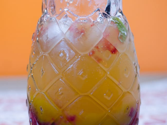 Mocktail à la framboise, à la mangue et à la menthe