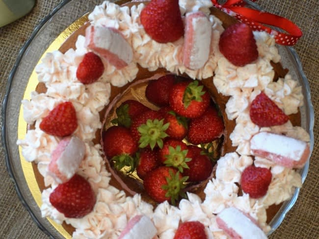 Génoise au chocolat blanc mousse de fraises