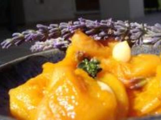Compote d'abricots, lavande et thym-citron