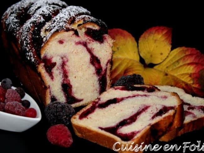 Babka aux fruits rouges
