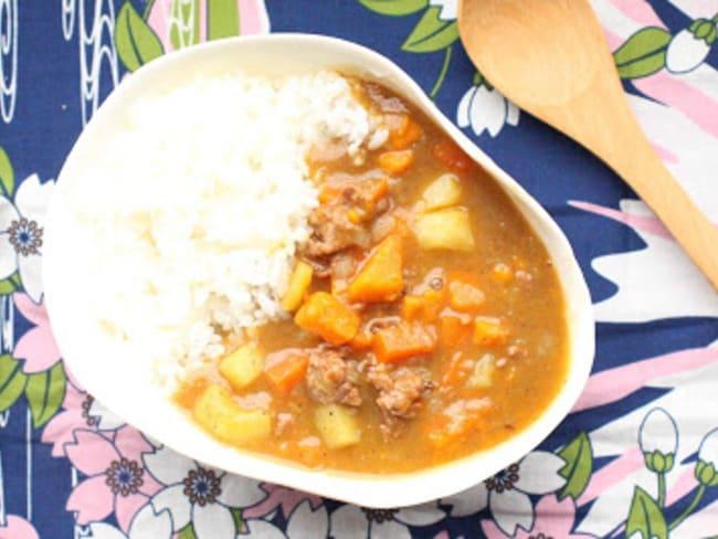 Curry de viande hachée à la japonaise