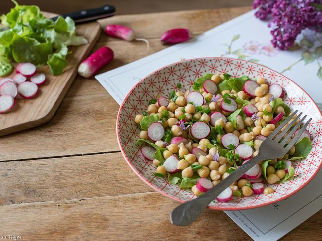 Salade de pois chiches, radis à la ciboulette