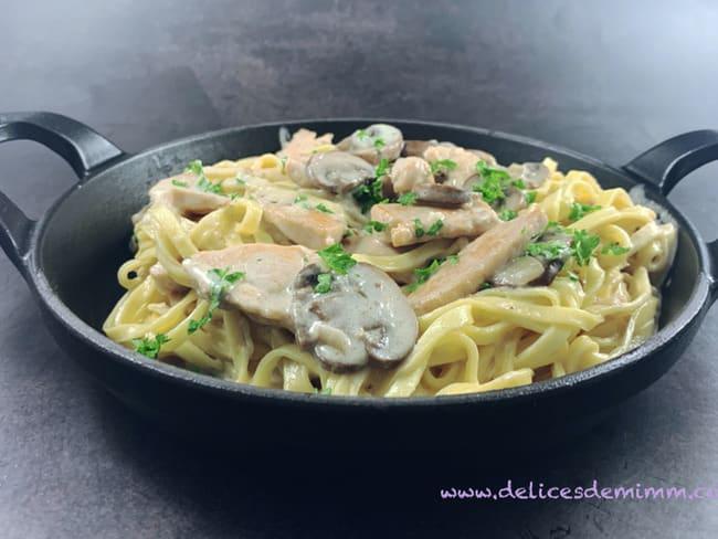 Fettucine poulet, champignons et crème de parmesan