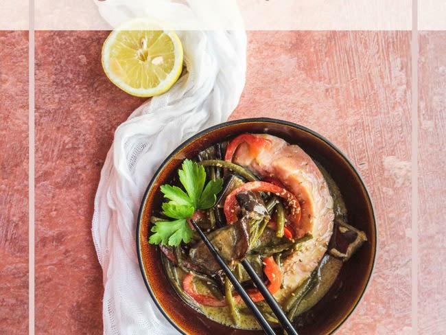 Curry de saumon thaï avec légumes