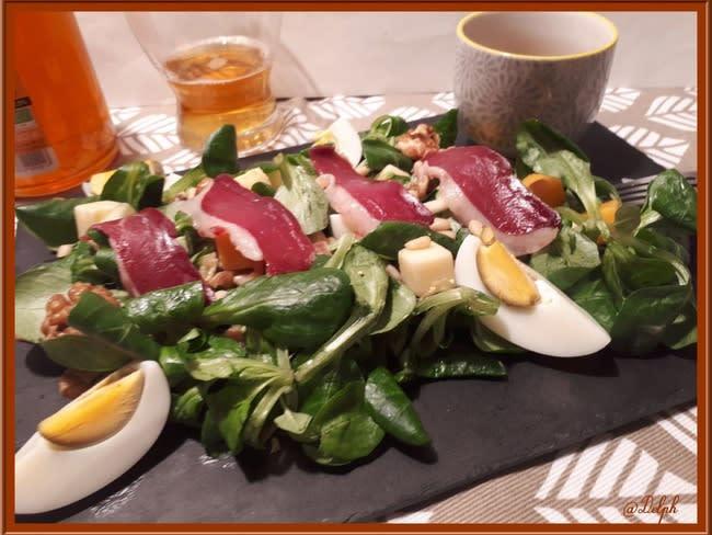 Salade de mâche et ses échalotes confites