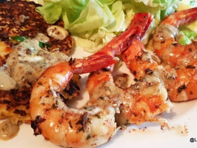 Grosses crevettes sauvages sauce crème, persil et ail