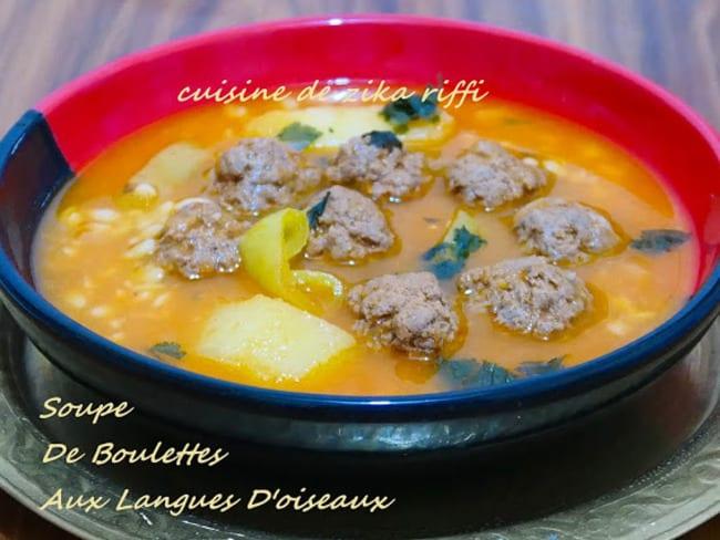 Soupe de boulettes aux langues d'oiseaux et pommes de terre