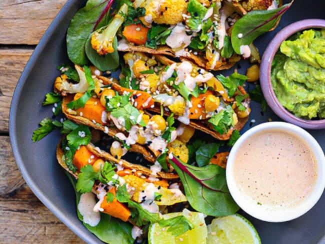Tacos au chou-fleur et à la patate douce