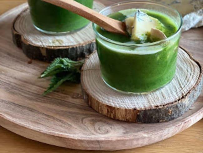 Soupe d'orties au bleu du Vercors