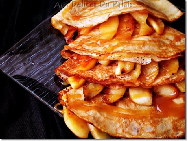 Crêpes Bretonnes Pommes et Caramel Beurre Salé