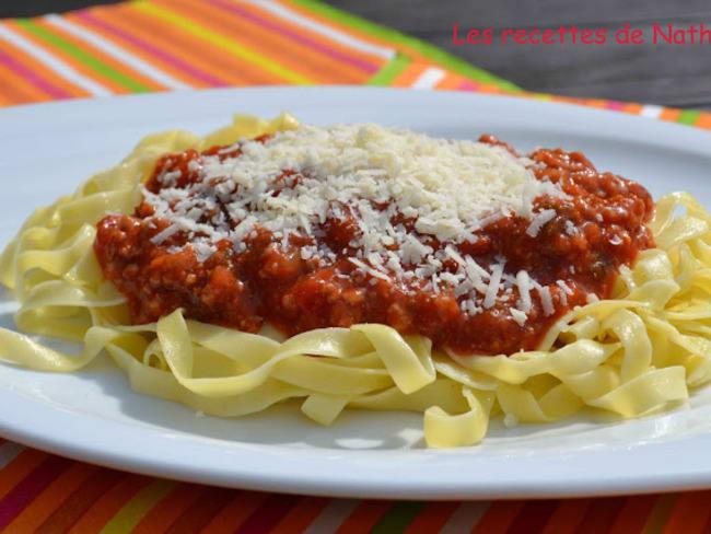 """Tagliatelles sauce """"al ragù"""""""