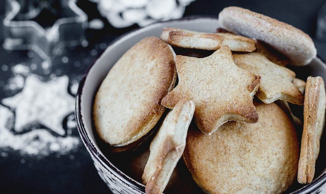 Biscuits de noël en forme d'étoile