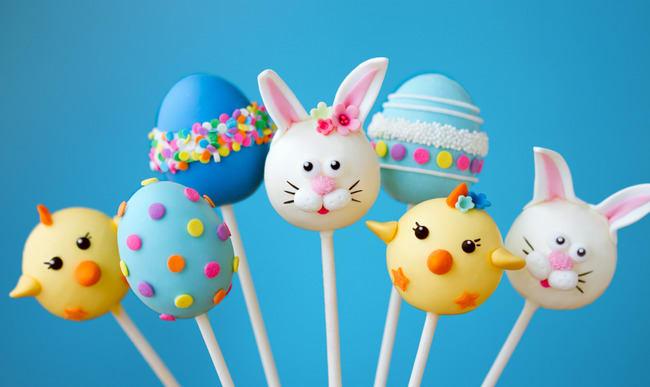 Assortiment de sucettes de Pâques.