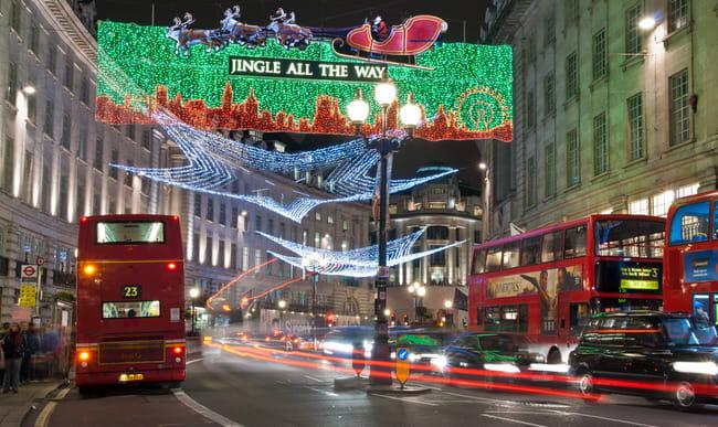 Décoration de noël dans les rues de Londres