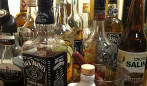 Assortiment d'alcools divers