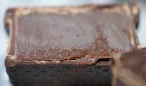 Dessert fourré de ganache au chocolat noir