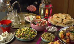 Repas traditionnel pour célébrer l'aïd