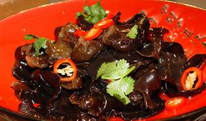 Champignons noirs