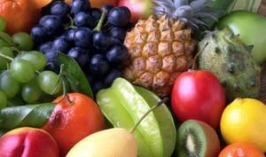 Plat coloré de fruits exotiques