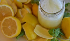 Un verre de citronnade maison