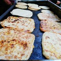 Msemen en vente sur un marché