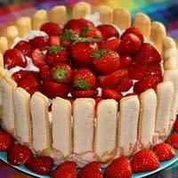 Charlotte aux fraises et boudoirs
