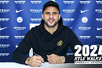 Kyle Walker renews contract with Man...
