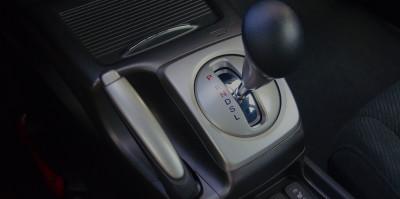 Conduire une voiture automatique
