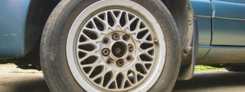 So einfach können Sie selbst einen platten Reifen wechseln und weiterfahren