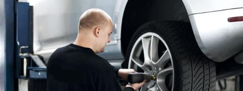 Husk at køre med de rigtige dæk efter forholdene