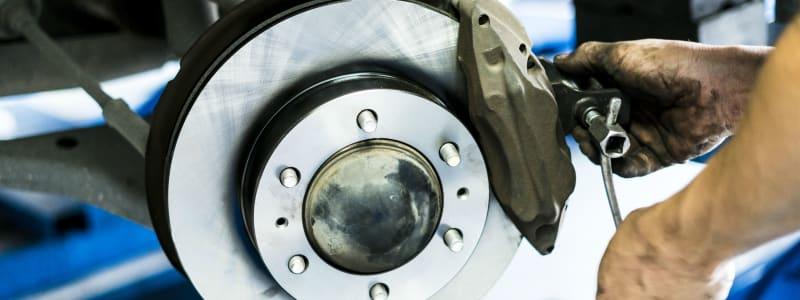 Renault - få skiftet bremser og bremseklodser