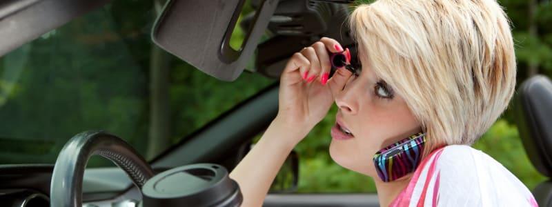 Nye regler for at bruge elektronik i bilen