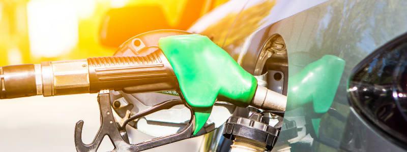 Infographik der viser de vigtigste brændstoftyper i EU  med benzin og diesel