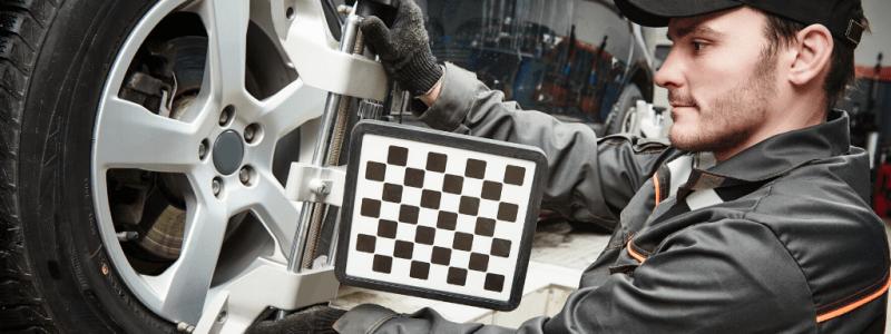 Outil de réglage parallélisme roues voiture