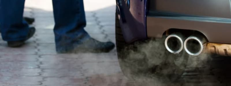 Avgasrör med rök på Opel