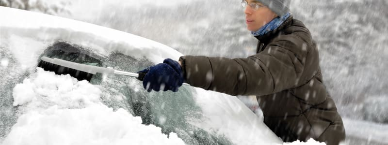What are the best accessories to keep in you car in cold weather?