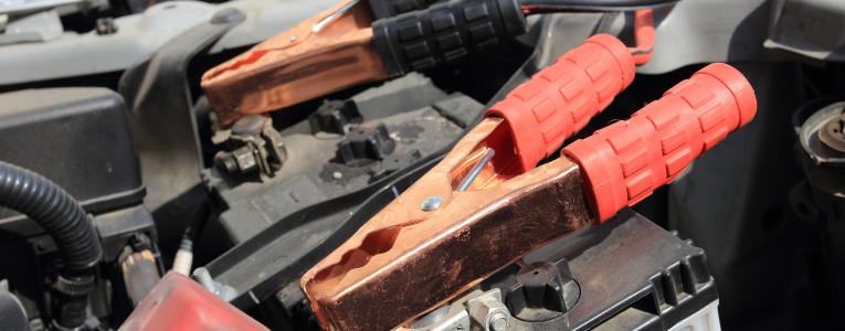 batterie voiture brulante