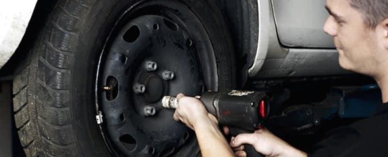 Lær at vælge type og størrelse på dæk, når du skal have nye dæk