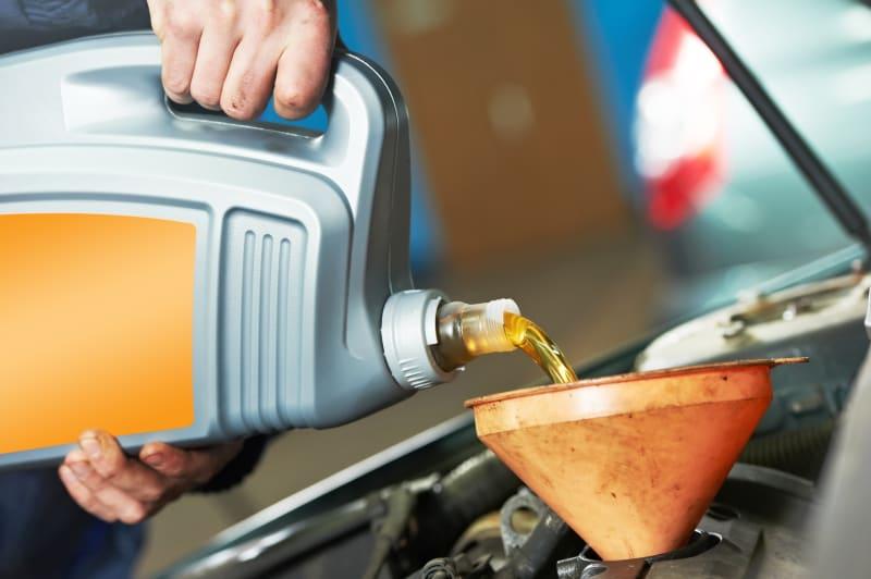 Remise à niveau de l'huile moteur