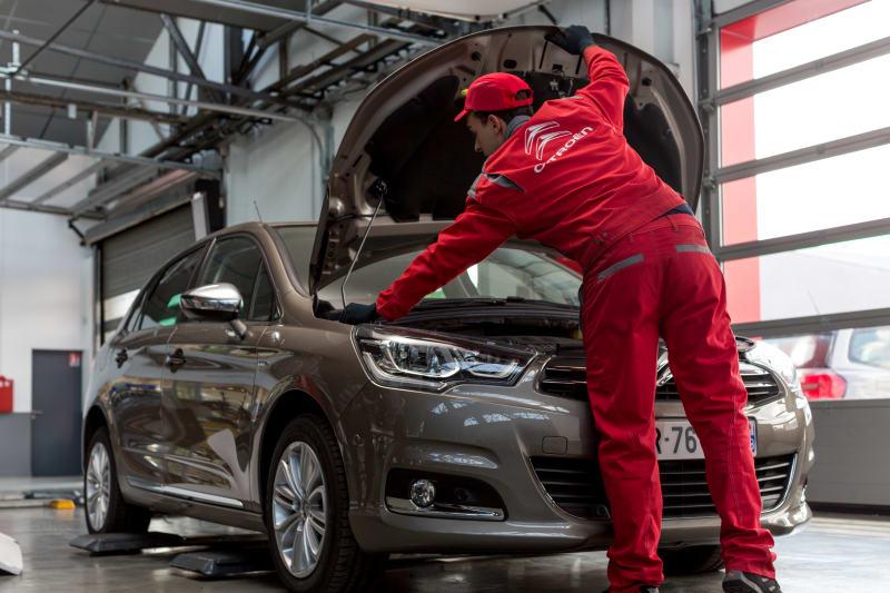 Förbesiktning av en Citroën