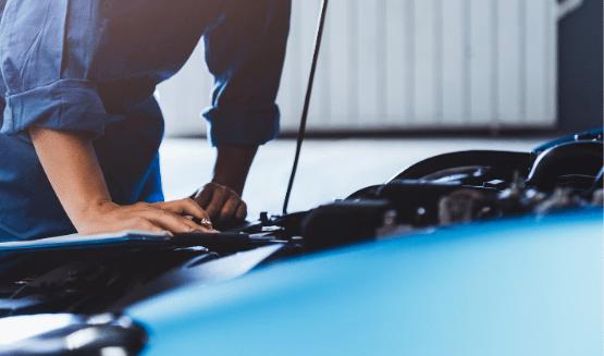 Mécanicien contrôle technique voiture