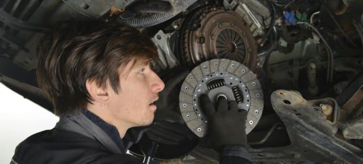 Pris på udskiftning af kobling på Ford