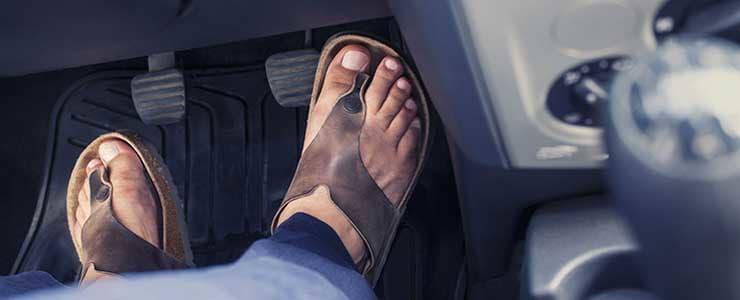 Das richtige Schuhwerk im Auto