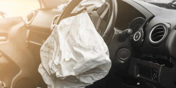 Airbag im Inneren des Autos