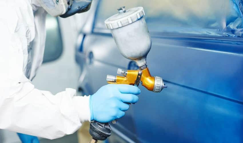 Autolakering og reparation af lakskader - maling af bil