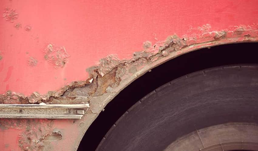 Reparation af rust i bilen