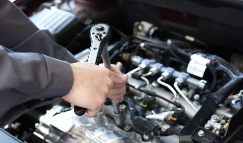 Reparation eller udskiftning af motor