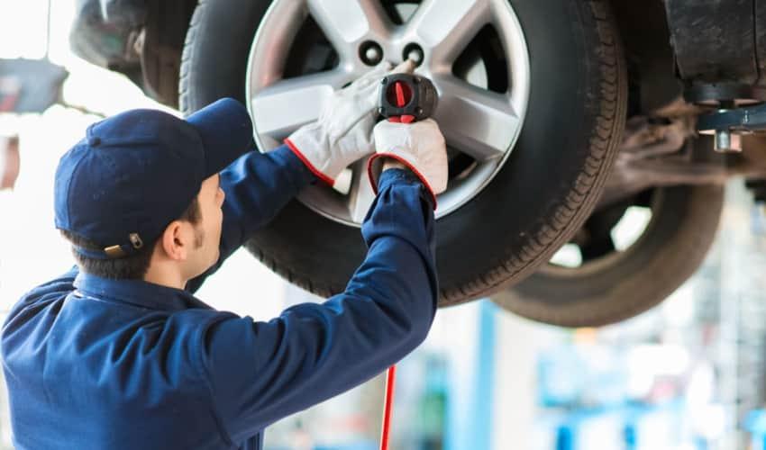 Montering eller skifte af dæk og hjul