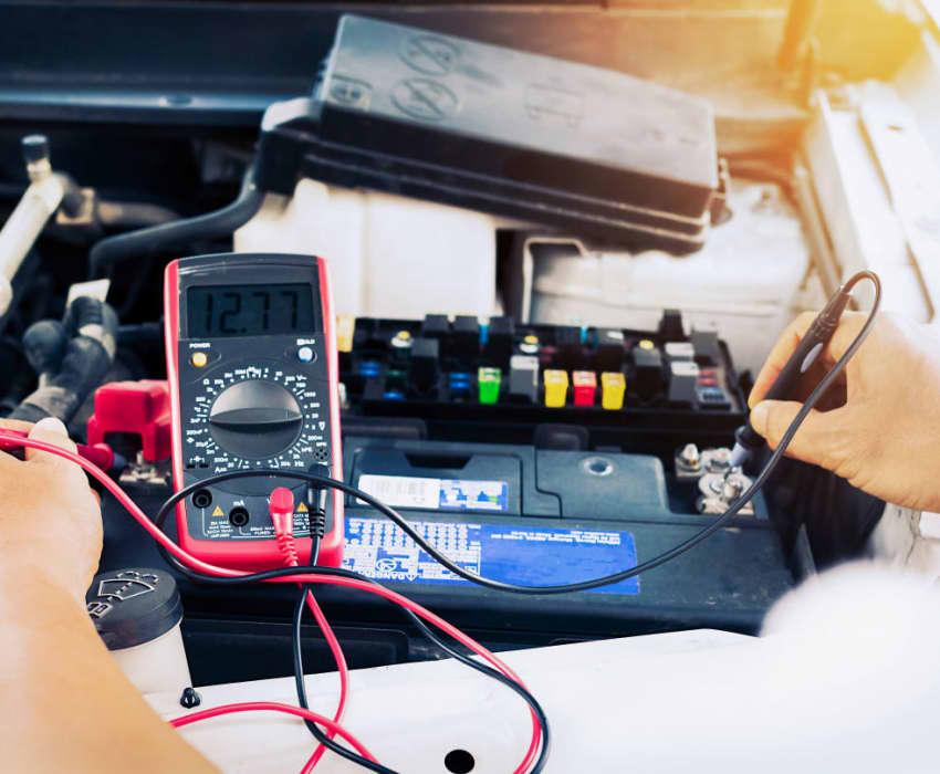 Kontrolle für Ihre Batterie und Lichtmaschine