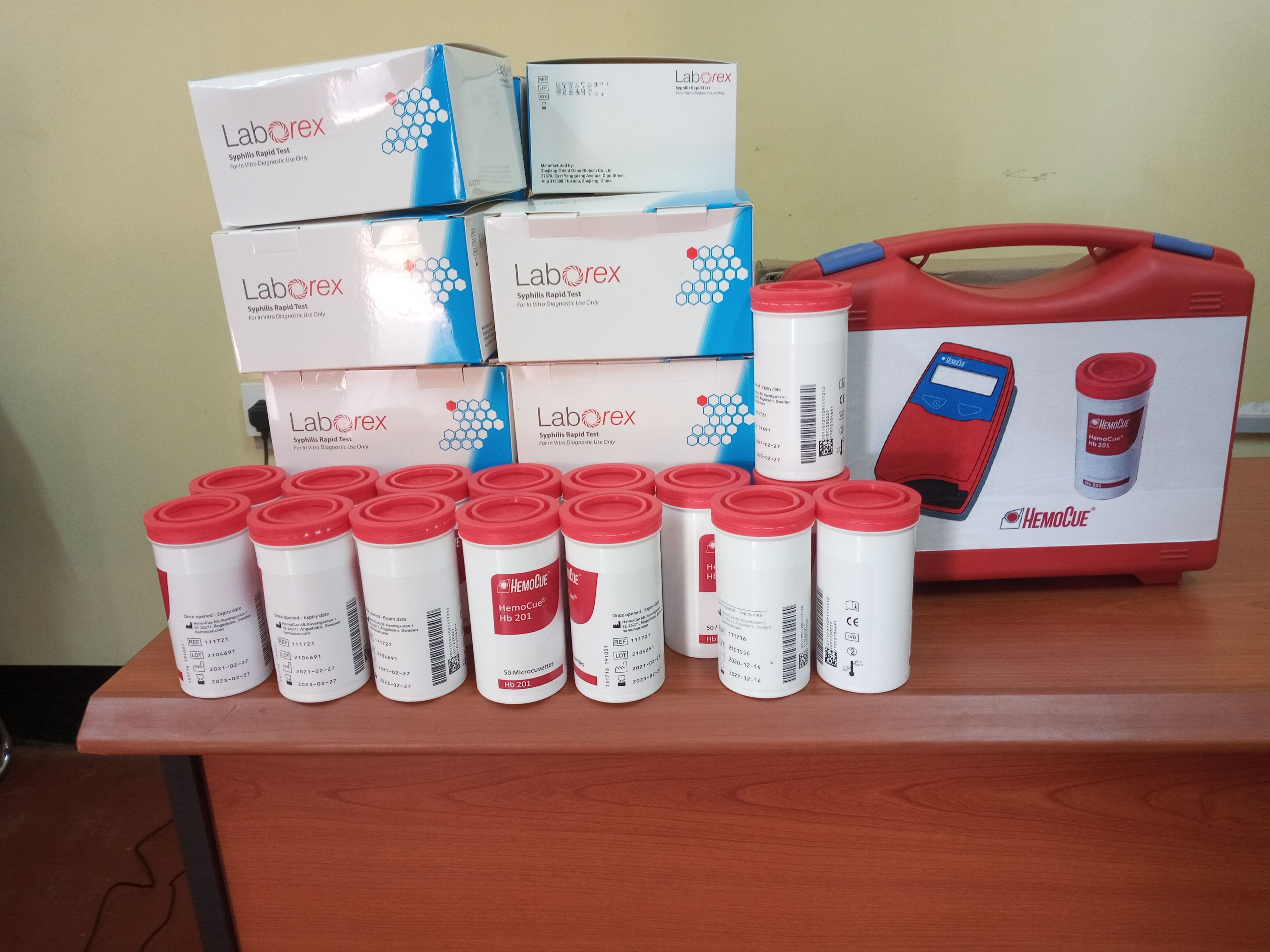 6.34 - Project 2021 - HB intervention - Syphilis kits, HB strips and HB machine.jpg